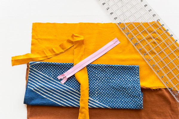 Materials Needed to Make / Sew a (Patchwork) DIY Foldover Clutch. #clutch #diy #tutorial #sewing #sewingproject #patchwork #howto #fashionaccessories