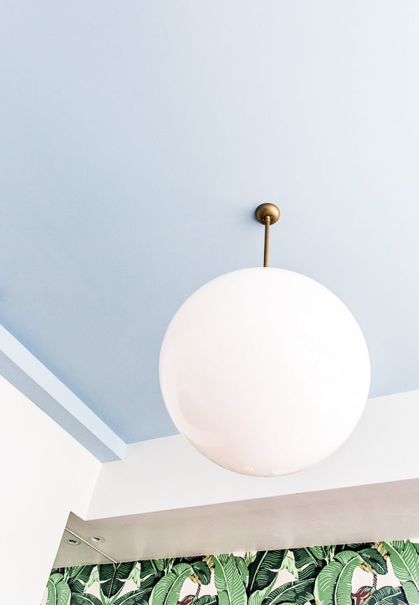 Sky blue painted ceilings found at the Dwell House Hotel in Chattanooga, Tennessee. Are you a fan of the painted ceiling trend? Join the debate! #ceilings #paintedceilings #trend #interiors