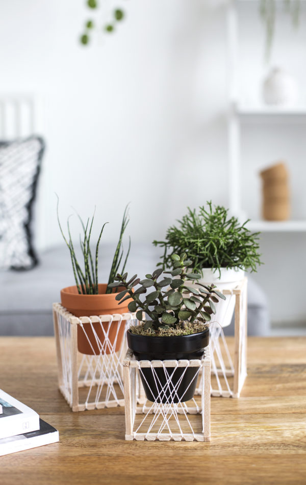 A simple yet decorative DIY planter ides from The Lovely Drawer. Check out 23 Planters You Can DIY! #plants #diyplanter #planter #pots