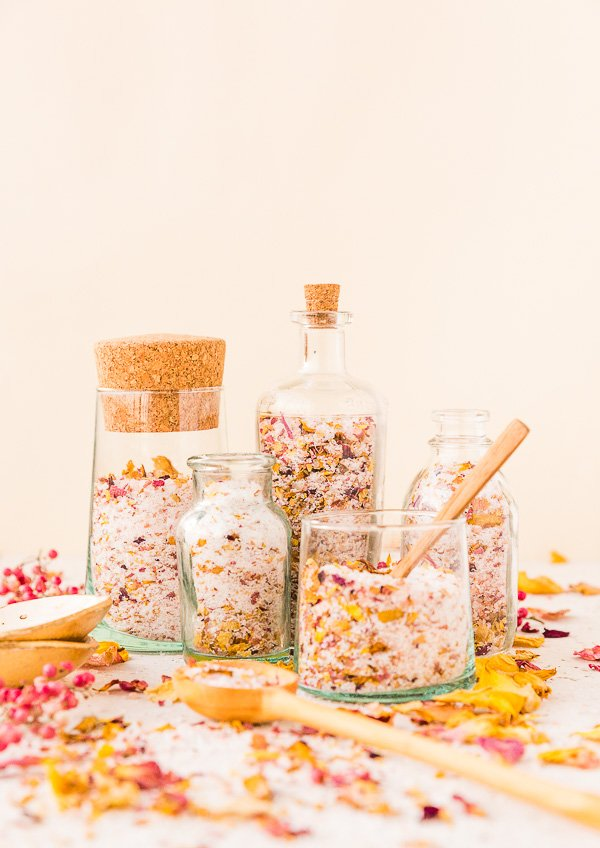 DIY rose petal bath salts are a great gift to make this Mother's Day! Check out my ultimate Mother's Day Gift Guide: Gifts You Can DIY for more ideas! #mothersday #giftideas #diygifts