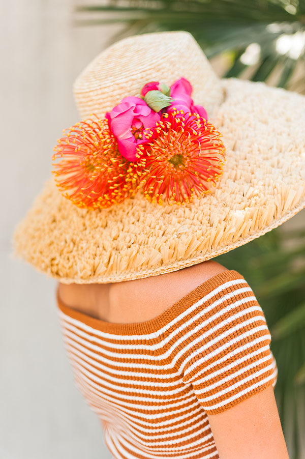 A DIY floral hat for mom for Mother's Day? Sounds good to me! Click through to see all 43 DIY ideas for mom. #mothersday #diygifts #giftsformom