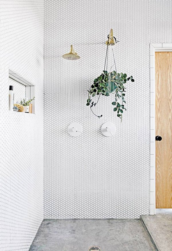 13 Ways to Get Your Bathroom Looking Fresh And Clean for Spring (image Alyson Fox) #bathroom #springcleaning #bathroominspo