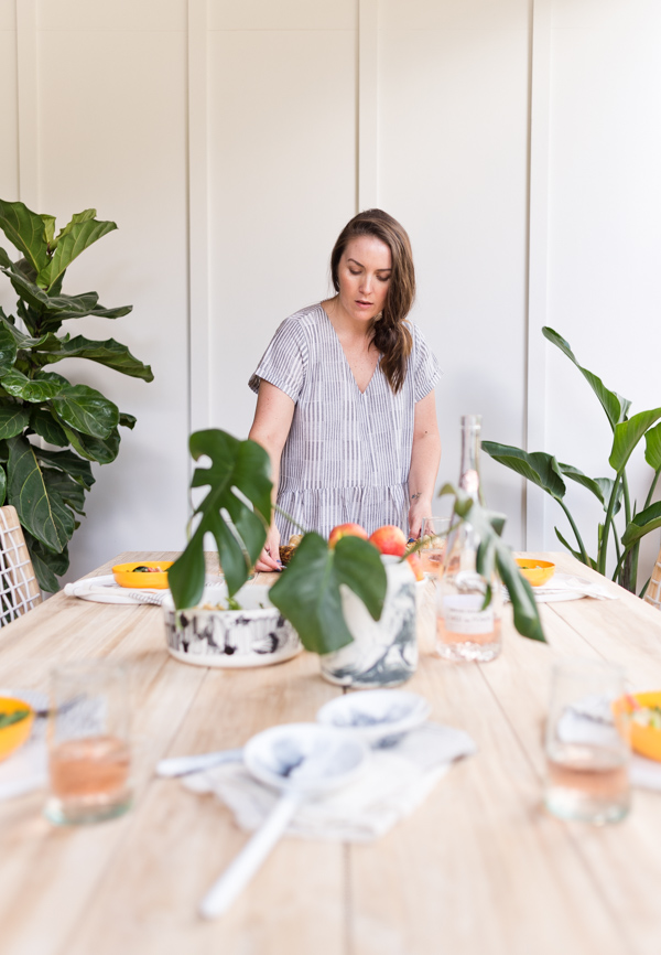 Summer essentials for outdoor entertaining with Brittni Mehlhoff from Paper and Stitch. #summer #summerentertaining