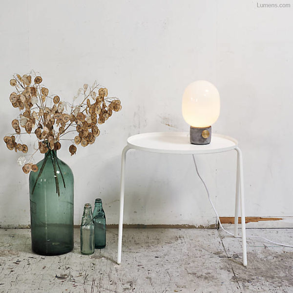 Make a DIY concrete table lamp like this one. Interior Obsession: I Spy 8 Lighting Trends You Can Totally DIY #lighting #concrete #globe #diyideas #lumens