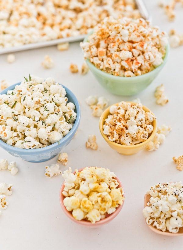 5 (Easy) Savory Popcorn Recipes for Movie Night. #savorypopcornrecipe #popcornrecipe #snackfood #snackrecipe #movienightsnacks