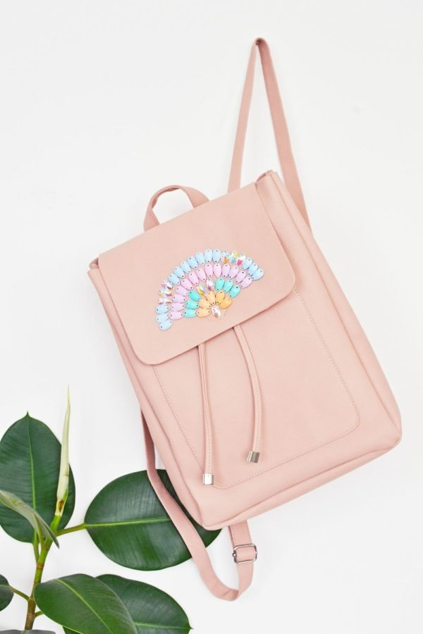 Make an embellished backpack for back to school. Click through for all 24 unique back to school ideas. #backtoschool #backtoschooldiy #diy #diyideas #backtoschoolideas