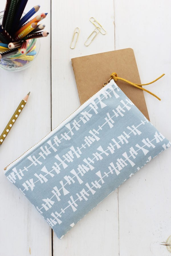 How to make a pencil pouch for back to school. Click through for all 24 unique back to school ideas. #backtoschool #backtoschooldiy #diy #diyideas #backtoschoolideas