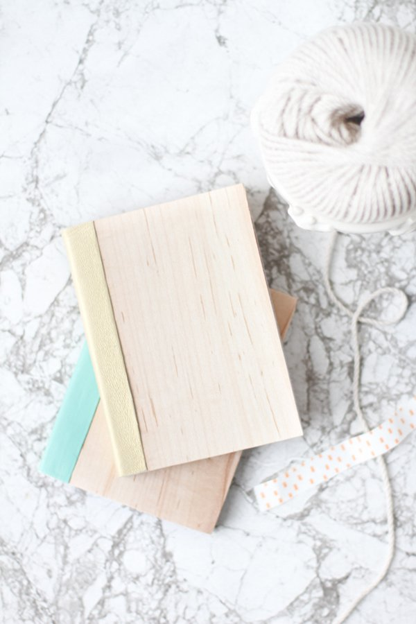 Wood and leather notebooks DIY for back to school. Click through for all 24 unique back to school ideas. #backtoschool #backtoschooldiy #diy #diyideas #backtoschoolideas