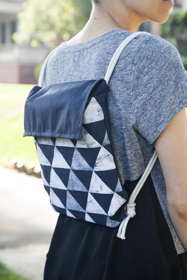 A DIY backpack idea just in time for back to school. Click through for all 24 unique back to school ideas. #backtoschool #backtoschooldiy #diy #diyideas #backtoschoolideas