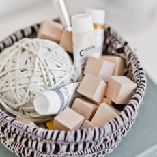 10 Minute DIY to Try: DIY Rope Bowls (With Yarn)