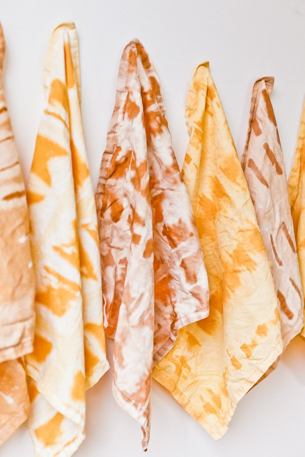 DIY Idea // How to Get the Look of a Shibori Print on Textiles with Bleach. #diy #diyideas #shibori #neutrals #neutraltextiles #craftproject #fabricproject