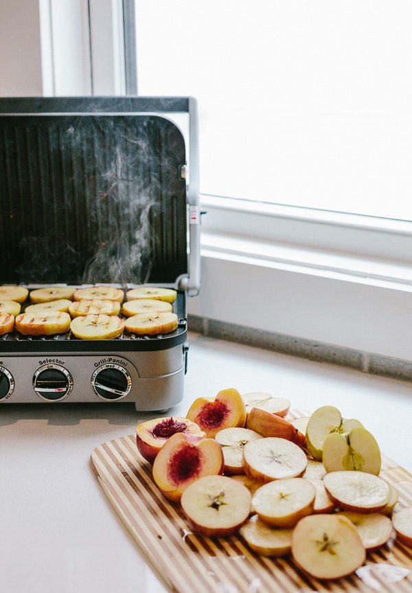 A drool-worthy fall recipe for toaster oven french toast with grilled apples. #fallrecipe #fall #frenchtoast #frenchtoastrecipe #apples