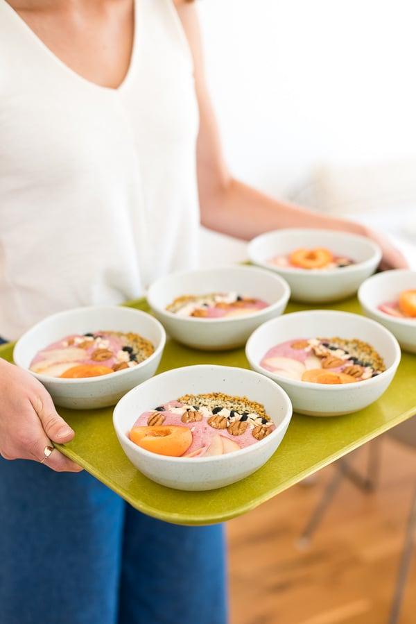 The Easiest Smoothie Bowls! Click through for the recipe. #smoothiebowl #prettyfood #prettybreakfast #healthyrecipe #fallrecipe #fallsmoothiebowl #enteratiningrecipes #entertainingideas #servingideas