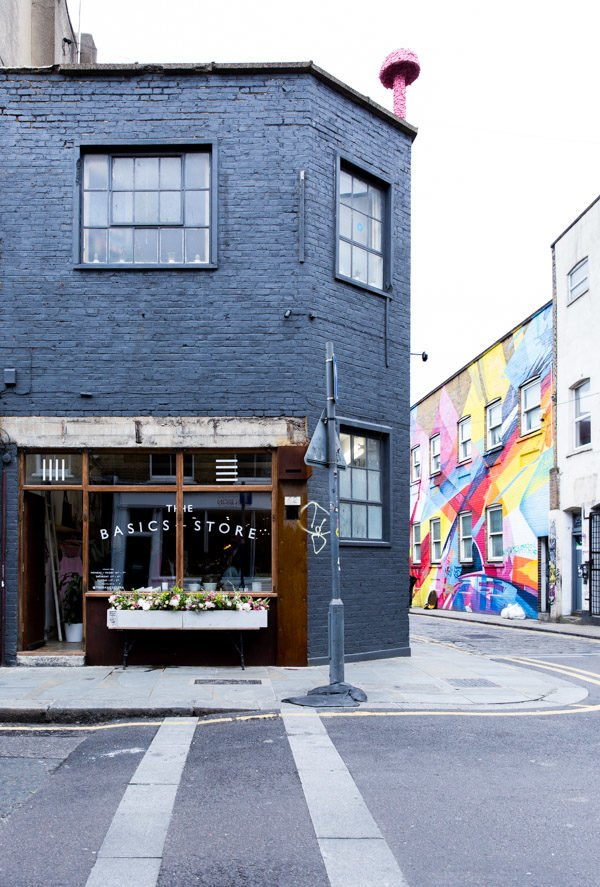 The Coolest Places to Stay, Eat, and Shop in London, England #london #travel #travelguide #londonengland #england