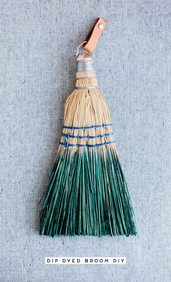 Dip Dyed Hand Broom DIY. Perfect for spring cleaning and/or a fresh start to the new year. #dipdyed #diy #cleaning #springcleaning