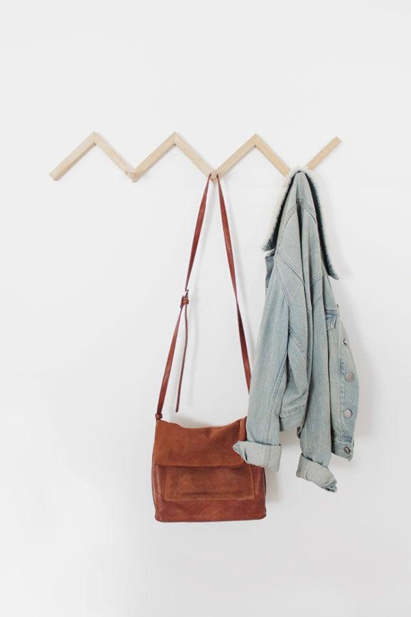 33 Ways to Organize Your Life: DIY Zig Zag Coat and Purse Rack. #organization #organized