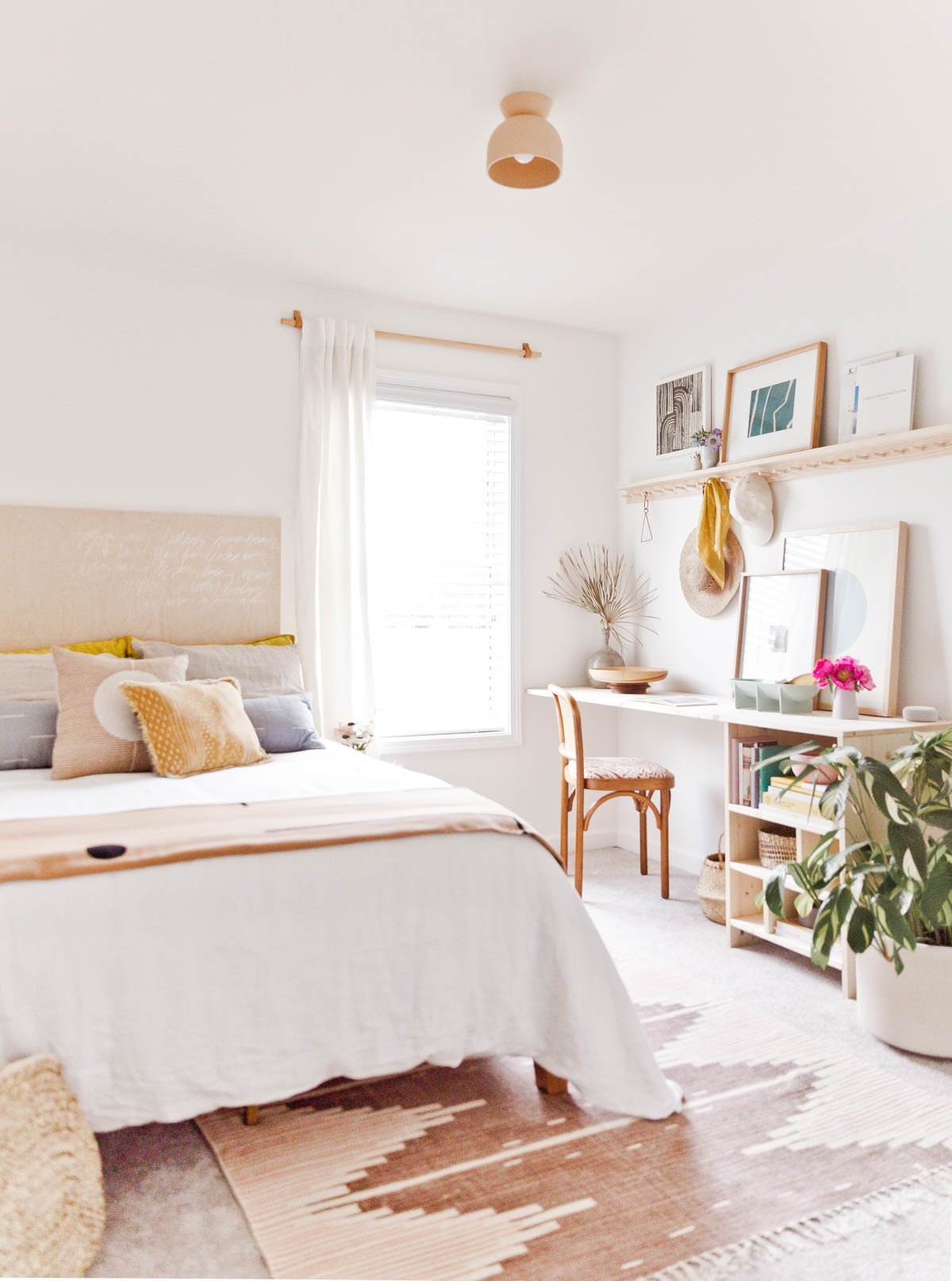 Room Reveal: A Guest Room / Home Office with Renter Friendly Design  Solutions - Paper and Stitch