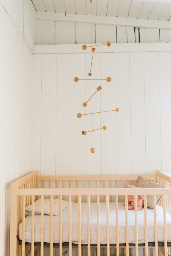 "Minimal baby modbile idea you can easily DIY. Check out the latest ""I Spy DIYs"" for more inspiration. #baby #nursery #mobile #minimal #wood mobile #shapes"