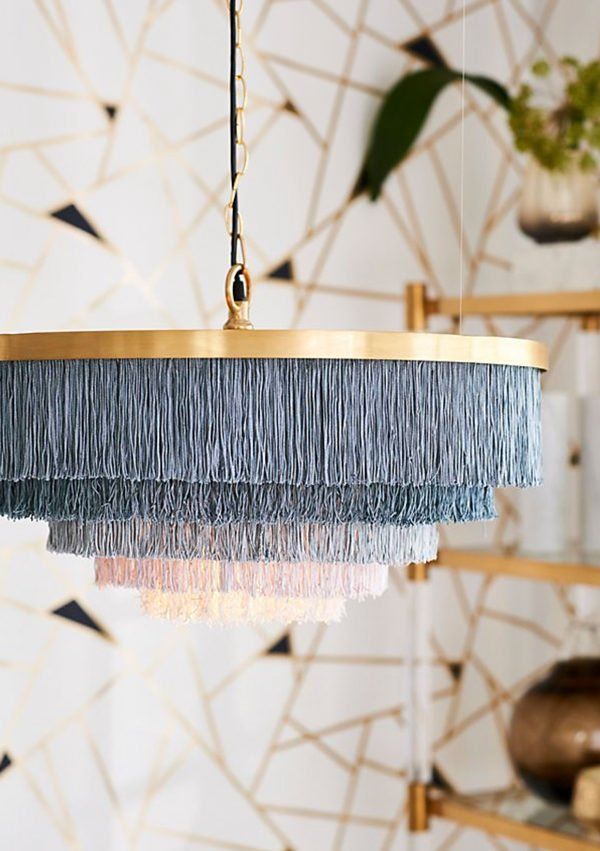 Spotted! Fringe lighting trend can easily be turned into a DIY project. Click through to see all 8 DIY ideas inspired by current lighting trends. #diylighting #fringelighting #lightingideas