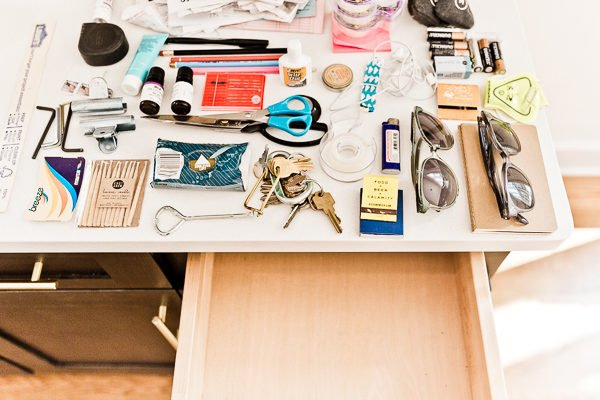 How to Organize Your Junk Drawer Once and For All (in 5 Minutes)! Group like items into piles once your drawer is cleaned out. #organization #junkdrawer #organized #organizedjunkdrawer #getorganized
