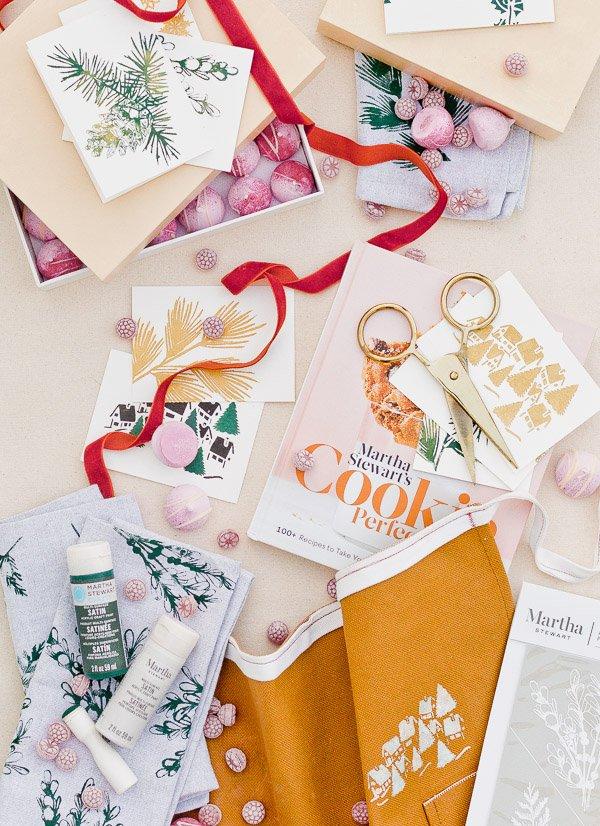 DIY hostess gifts (inexpensive) that range from floral napkins to holiday greeting cards with a holiday cookie book and more.